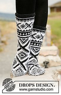 Men - Free knitting patterns and crochet patterns by DROPS Design Crochet Socks, Knitting Socks, Knit Crochet, Knitting Patterns Free, Free Knitting, Free Pattern, Drops Design, Norwegian Knitting, Models