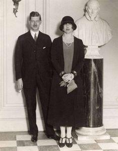 Carol cu a doua soţie, Principesa Elena a Greciei și Danemarcei. Căsătoria s-a oficiat la Atena în 1921 și a durat până în 1928.