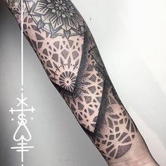 big gap filler for shiris sleeve, the other day! thanks! #mandala  #mandalatattoo #tattoo #blackwork - herzdame