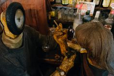 Edward Kienholz – The Beanery: A story about time — Love, Hate, And What I Ate Edward Kienholz, Artistic Installation, Consumerism, Decay, Told You So, Time Capsule, Modern Art, Hate, Clock