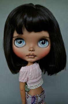 Blythe Dolls For Sale, Ooak Dolls, Cute Baby Dolls, Doll Repaint, Doll Maker, Hello Dolly, Custom Dolls, Big Eyes, Furry Art