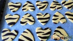 Fursecuri Zebra reteta de post d Cake Recipes, Vegan Recipes, Vegan Food, Biscuits, Sugar, Cookies, Desserts, Food Cakes, Content