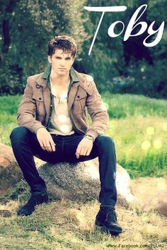 Keegan Allen love