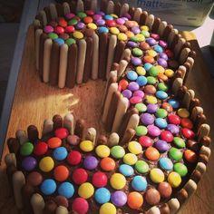 Chocolate cake birthday baking 63 ideas for 2019 Little Girl Birthday Cakes, Number Birthday Cakes, Number Cakes, Birthday Cake Girls, Easy Kids Birthday Cakes, Birthday Sweets, Birthday Ideas, Chocolate Birthday Cake Decoration, Chocolate Birthday Cake Kids