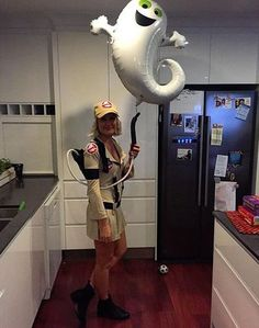 Make Ghostbusters costume Ghostbusters Kostüm selber machen Make Ghostbusters costume yourself Costume idea for carnival, Halloween & carnival - Cute Halloween Costumes, Couple Halloween, Halloween Cosplay, Cool Costumes, Halloween Party, Halloween Ideas, Group Halloween, Pirate Costumes, 90s Costume