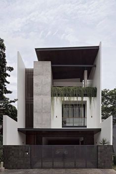 41 Delightful Minimalist Home Architecture Design Ideas That You Must See - Minimalist home designs are often chosen by house owners these days to refurbish or build their properties, because their simple and seamless style ma. Narrow House Designs, Small House Design, Modern House Design, Minimalist House Design, Minimalist Home, Facade Design, Exterior Design, Modern Architecture House, Architecture Design