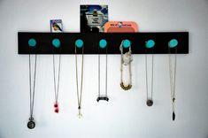DIY Ombre Necklace and Bracelet Rack Diy Necklace Rack, Diy Ombre Necklace, Diy Jewelry Holder, Cork Necklace, Jewelry Stand, Jewellery Storage, Jewellery Display, Jewelry Organization, Diy Jewellery
