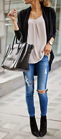 #spring #fashion beige loose blouse blue skinny jeans outfit