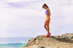 Many of us look to the bodies of models and fitness experts to inspire and motivate us to focus on our fitness. For a little over a year now, I've admired and looked up to Kayla Itsines, a fitness trainer and expert from Adeline, Australia. Kayla Itsines Review, Kayla Itsines Workout, Bikini Body Guide, Fitness Tips, Health Fitness, Fitness Works, Wellness Fitness, Bbg Workouts, Teen Issues