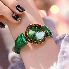 Woman Watches, Gold Watches Women, Rose Gold Watches, Wrist Watches, Latest Fashion For Girls, Womens Fashion For Work, Dream Watches, Luxury Watches, Clear Backpacks
