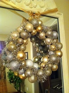 Christmas Ball Wreath (wire hanger form) LINK- http://www.thepennyparlor.com/2011/11/dollar-store-christmas-ball-wreath.html