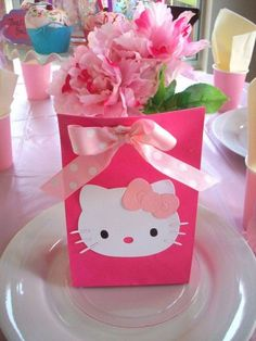 Hello Kitty Themes, Hello Kitty Cake, Party Gift Bags, Party Gifts, Birthday Party Favors, Birthday Parties, Hello Kitty Birthday Party Ideas, Party Favours, Shower Favors