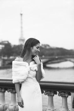Модель и блогер Madison Ramaget в платье Velda от Pronovias