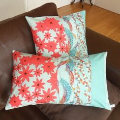 Housse de coussin fleurs du japon, rouge et turquoise, rectangulaire