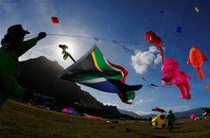 Conozca el Festival Internacional de Cometas de Ciudad del Cabo. Visite nuestra página y sea parte de nuestra conversación: http://www.namnewsnetwork.org/v3/spanish/index.php #nnn #bernama #malasia #malaysia #cometas #feria #festival #sudafrica #southafrica #cabo #news #noticias #cultura #culture