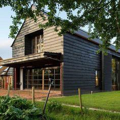 Varios graneros del siglo XVIII han vuelto a la vida como hermosas casas, respetuosas con el medio ambiente.