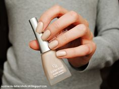 Confessions of a Polishaholic: Golden Rose Matte Satin Nude 01