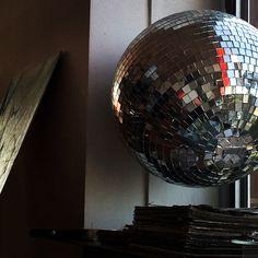 Disco studio Globe, Studio, Photography, Speech Balloon, Photograph, Fotografie, Studios, Photoshoot, Fotografia
