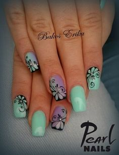Trendy colurs and patterns from Erika Bakos, our trainer. :-) For more pictures, visit our Pinterest side: https://hu.pinterest.com/pearlnails