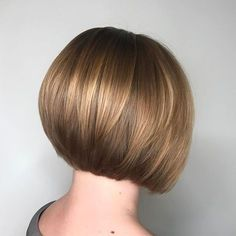 30 Hottest Graduated Bob Hairstyles Right Now – Bob Haircuts 2019 – Best Frisuren Haare Graduated Bob Hairstyles, Inverted Bob Hairstyles, Bob Hairstyles For Fine Hair, Short Bob Haircuts, Short Graduated Bob, Graduated Bob With Fringe, Graduated Bob Haircuts, Bob Haircut With Bangs, Page Haircut