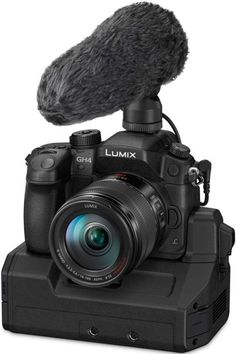 #Panasonic announces new #PanasonicGH4R and introduces #firmware update for 'old' #PanasonicGH4