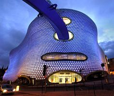 Selfridges Department Store Birmingham, England also seen labeled as bull ring. Unusual Buildings, Interesting Buildings, Amazing Buildings, Amazing Houses, Futuristic Architecture, Amazing Architecture, Creative Architecture, Future Systems, Birmingham England