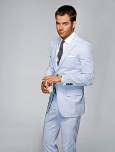 Chris Pine in seersucker. Yes, seersucker. Chris Pine, Sharp Dressed Man, Well Dressed Men, Costume Marie Bleu, Baby Blue Suit, Powder Blue Mens Suit, Blue Tux, Fashion Moda, Mens Fashion