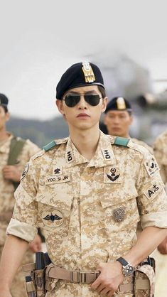 Best Song joong ki descendants of the sun wallpaper ideas on . Asian Actors, Korean Actors, Korean Dramas, Song Joong Ki Dots, Soon Joong Ki, Decendants Of The Sun, Park Bogum, Les Descendants, Sun Song
