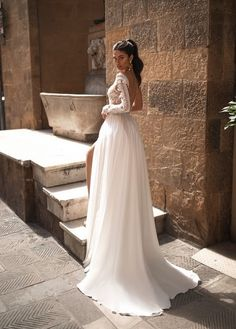 Beautiful long sleeve lace gown with Chiffon skirt and an open back. Bridal Gowns, Wedding Gowns, Long Sleeve Lace Gown, Cheap Wedding Dresses Online, Wedding Guest Hairstyles, Amazing Wedding Dress, Wedding Dress Shopping, Marie, Lace Chiffon