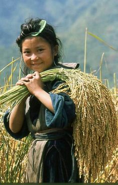 Vietnam Famous Destinations: Smile of the children highland in Viet Nam Kids Around The World, We Are The World, People Around The World, Precious Children, Beautiful Children, Beautiful World, Beautiful People, Baby Kind, Happy People