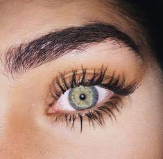 Have you ever wished for thick beautiful and curled eyelashes? Beautiful Green Eyes, Stunning Eyes, Pretty Eyes, Cool Eyes, Aesthetic Eyes, Human Eye, Eye Photography, Hazel Eyes, Eye Art