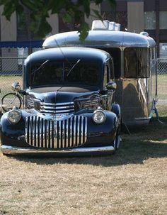 Old Chevy panel truck and travel trailer, nice rig. Vintage Rv, Vintage Caravans, Vintage Travel Trailers, Vintage Trucks, Vintage Campers, Retro Campers, Camper Trailers, Chevy Pickups, Chevy Trucks