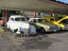 Line them up , great shot of some cool cars at Bob's Big Boys in Burbank, Ca