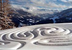 Land Art: Snow Labyrinth by artists Marianne Ewaldt. Labyrinth Walk, Labyrinth Garden, Snow Sculptures, Parcs, Winter Solstice, Environmental Art, Outdoor Art, Maze, Installation Art