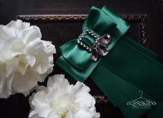 smaragd brooch