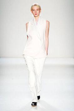 Victoria Beckham Fall 2014 Ready-to-Wear Runway - Victoria Beckham Ready-to-Wear Collection
