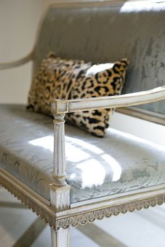 Montmartre Settee by @ebanistacollect. Hand-carved in weathered ivory finish with 22k antiqued and distressed gold detailing. Upholstered in Ebanista's La Fleur Acanthus silk damask. Shown with Louvre Pillow. Discover more at http://www.ebanista.com.