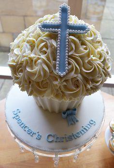Little Paper Cakes Big Cupcake, Giant Cupcake Cakes, Cupcake Cookies, Christening Cupcakes, Boy Christening, Baby Baptism, Sweet Cupcakes, Baby Shower Cupcakes, 1st Boy Birthday