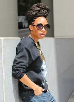 {Grow Lust Worthy Hair FASTER Naturally}>>> www.HairTriggerr.com <<<  Love her Top Bunned Box Braids!