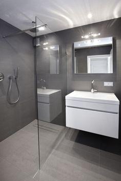 Voorbeeld doucheruimte met wastafel