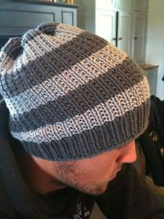 Requires around 200 metres of aran weight yarn – I used 3 skeins of Debbie Bliss Rialto Aran Yarn, 2 in the darker colour, but only needed a bit of the second skein, and one in the lighter co…