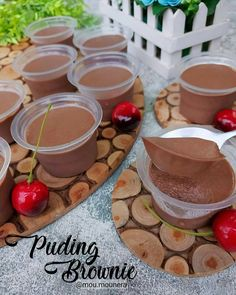 resep puding brownies instagram Pudding Desserts, Pudding Recipes, Dessert Recipes, Puding Cake, Dessert Boxes, Chocolate Banana Bread, Recipe Steps, Cake Cookies, Brownies