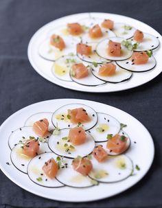 Dos de saumon fumé, radis noir, vinaigrette sésame et agrumes pour 6 personnes - Recettes - Elle