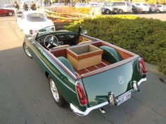 Throughout the early stages of the Jaguar XK-E, the lorry was supposedly planned to be marketed as a grand tourer. Pickup Car, Pickup Trucks, Nanjing, Fiat 500, Peugeot, Volkswagen, Convertible, Station Wagon Cars, Automobile