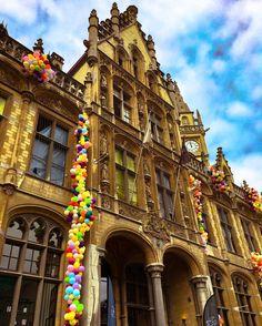 #gent #belgium #beautifulcity #up #balloons #postoffice #amazing #building #instacity #instadaily #instatravel #instatraveling #instabelgium
