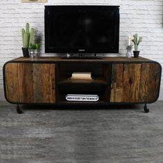 Rustic Industrial Style TV Cabinet/Media Unit #retro #vintage #vintagestyle #industrial #industrialdesign #midcentury #midcenturymodern #homeideas #trends #vintagefurniture #decorideas #homedecor #interiordesign #interiordecor #homeinspiration #rustic #rusticdecor