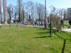 Wanderung am 29.März: Die Wandergruppe zieht sich in die Länge