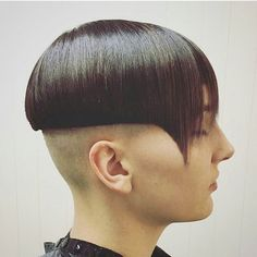 WEBSTA @ luvbowlcuts - Fierce and fantastic. Talented stylist crafted this precision and we absolutely adore it. Hair Dye Colors, Hair Color, Bowl Haircuts, Bald Heads, Hair Tattoos, Bowl Cut, Shaved Hair, Dyed Hair, Mushrooms