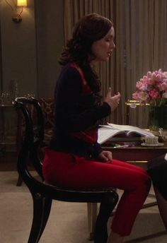 Blair Waldorf Fashion: 1x15 Desperately Seeking Serena