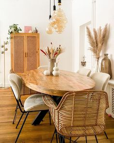 Kast SIBU #kwantuminhuis @interior.byloes Sibu, Dining Table, Furniture, Home Decor, Decoration Home, Room Decor, Dinner Table, Home Furnishings, Dining Room Table